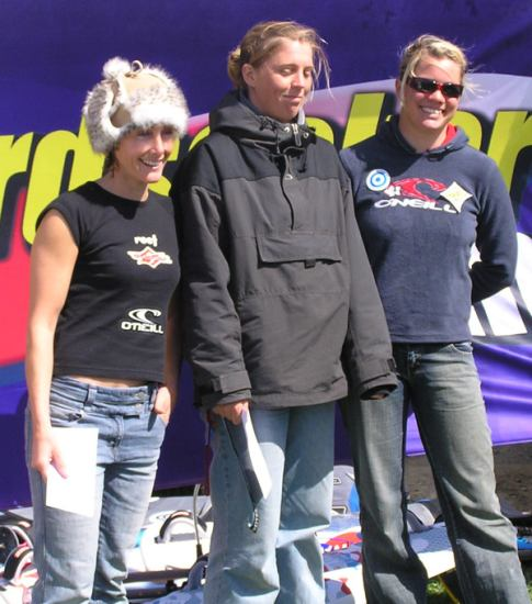 gal/2005/Wave_Champs-Rhosneigr/prizes_womens_winners.jpg