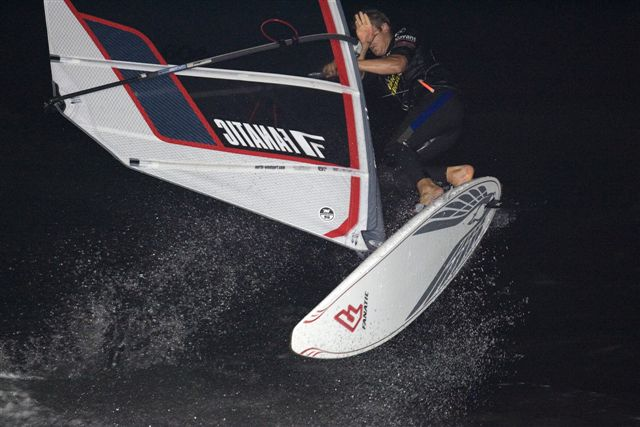 gal/2006/Fat_Face_Festival/night_windsurfing/chris_audsley_002.jpg